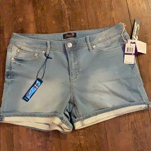 Never worn plus size knit denim jean shorts